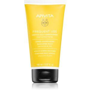 Apivita Holistic Hair Care Chamomile & Honey kondicionér pro každodenní použití s heřmánkem 150 ml